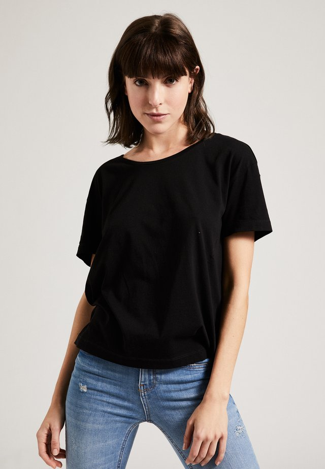 THE ROUND NECK BOXY - T-shirt basic - black