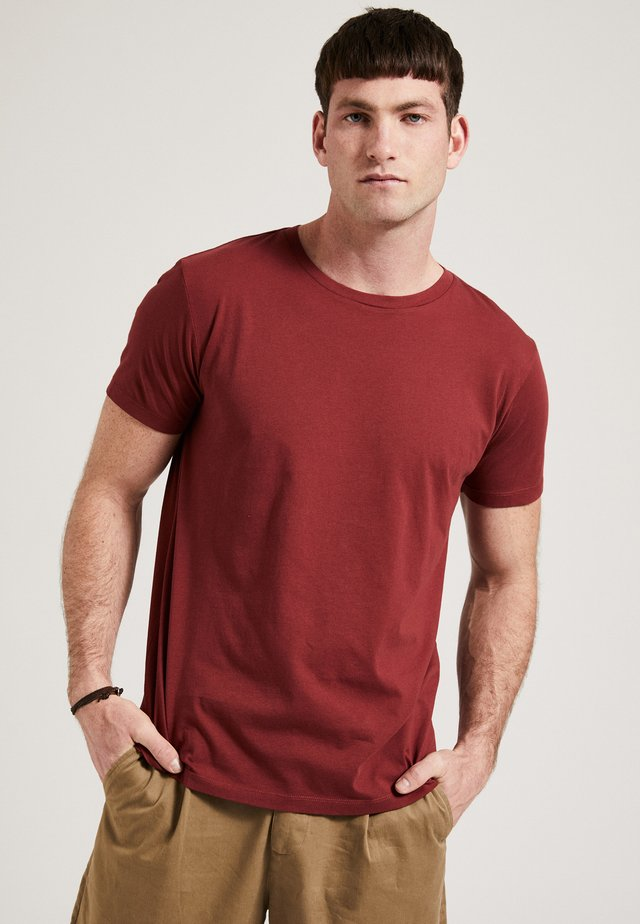 THE ROUND NECK - T-shirt basic - bordeaux