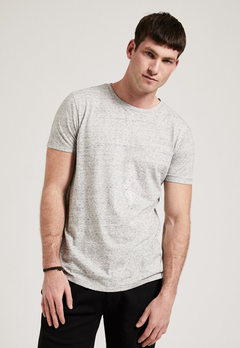 Phyne - Basic T-shirt - light grey