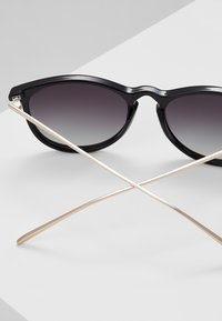 Pilgrim - SUNGLASSES VANILLE - Sunglasses - black