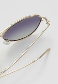 Pilgrim - SUNGLASSES NANI - Sunglasses - gold - 3