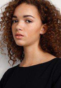 Pilgrim - EARRINGS WYNONNA - Earrings - rose-gold-coloured - 1