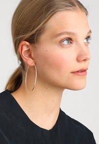Pilgrim - EARRINGS SANNE - Boucles d'oreilles - silver-coloured - 1