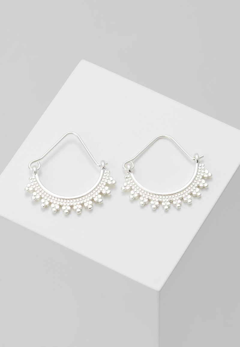 Pilgrim - EARRINGS KIKU - Earrings - silver-coloured