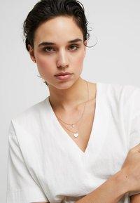 Pilgrim - ASTA SET - Earrings - rose gold-coloured - 1