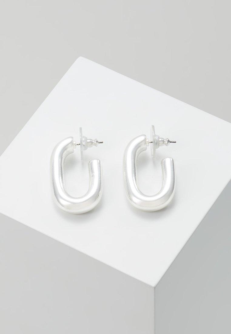 Pilgrim - EARRINGS RAN - Earrings - silver-coloured