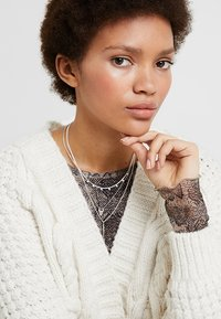 Pilgrim - NECKLACE - Halskette - silver-coloured - 1