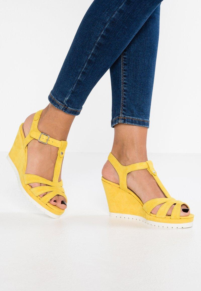 Pier One - High Heel Sandalette - yellow