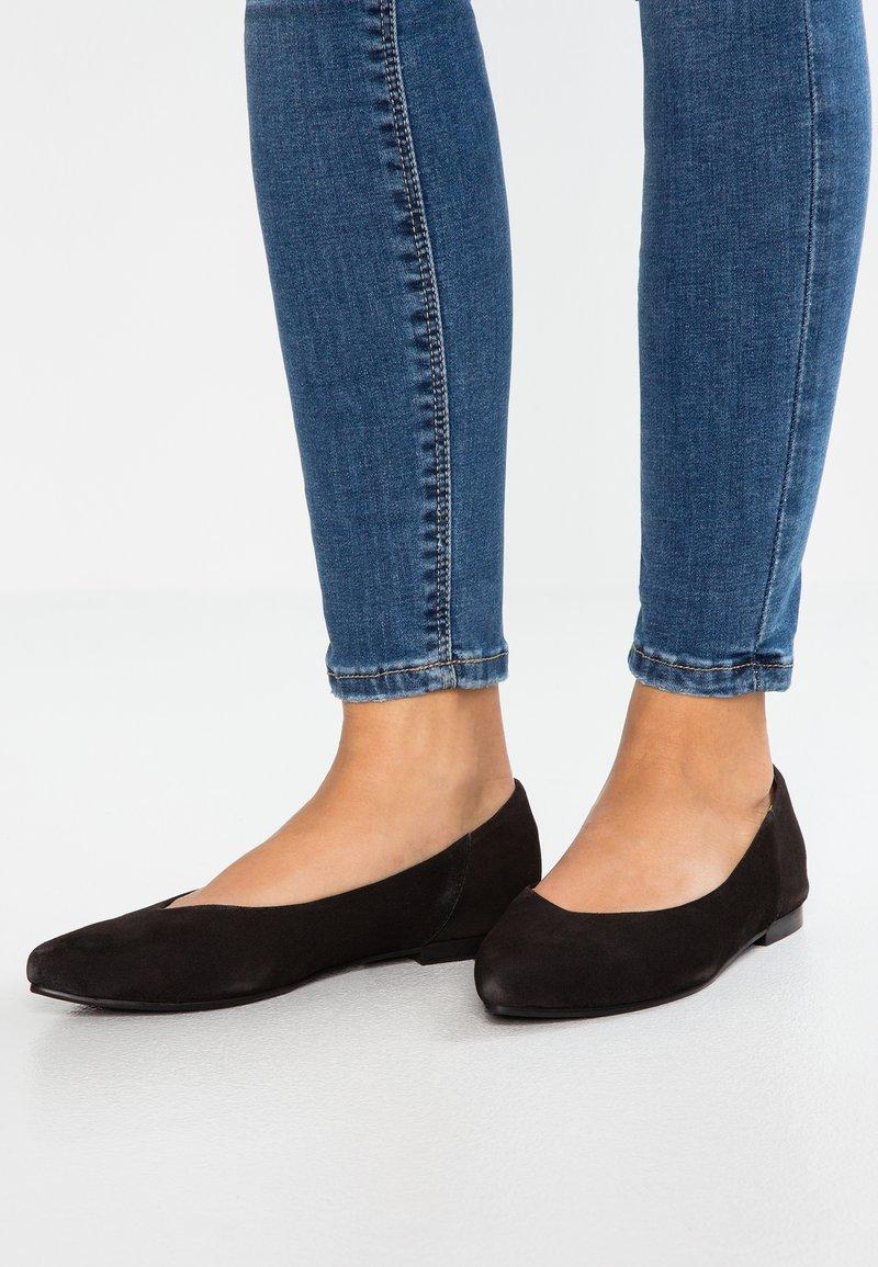 Pier One - Ballet pumps - black