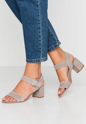 Sandály - grey