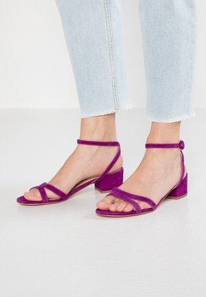 Sandaler - lila