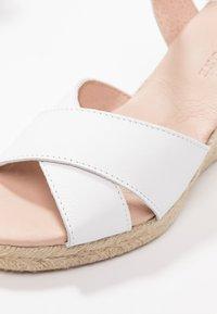 Pier One - Sandály na vysokém podpatku - white - 2