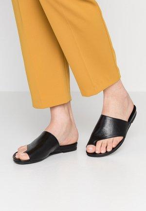 Sandály s odděleným palcem - black
