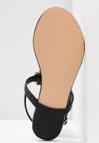 Pier One - Sandály s odděleným palcem - black - 6