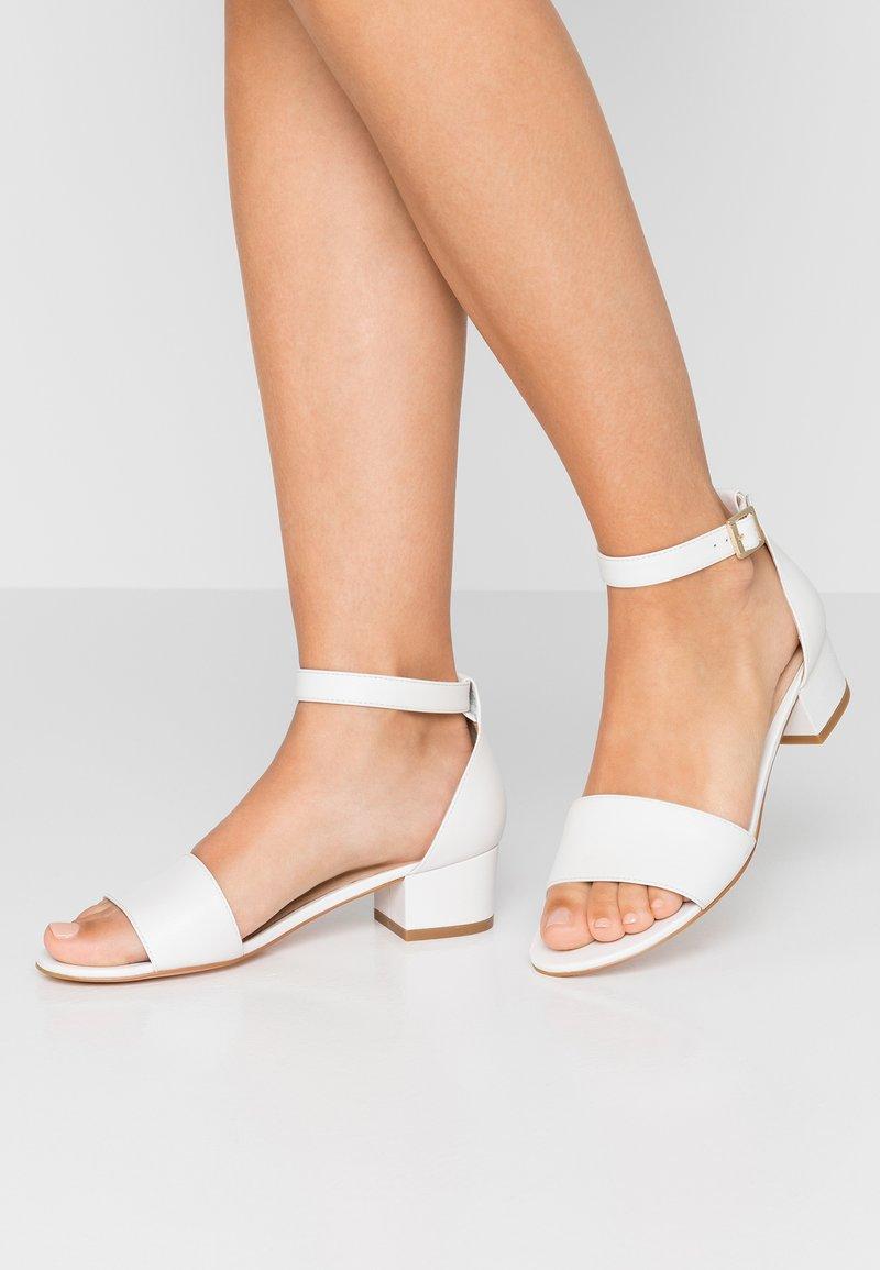 Pier One - Sandalias - white