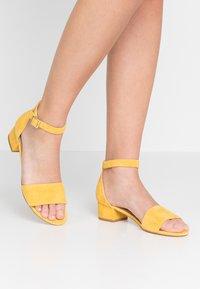Pier One - Sandaler - yellow - 0