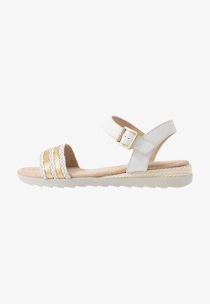 Sandály na klínu - white