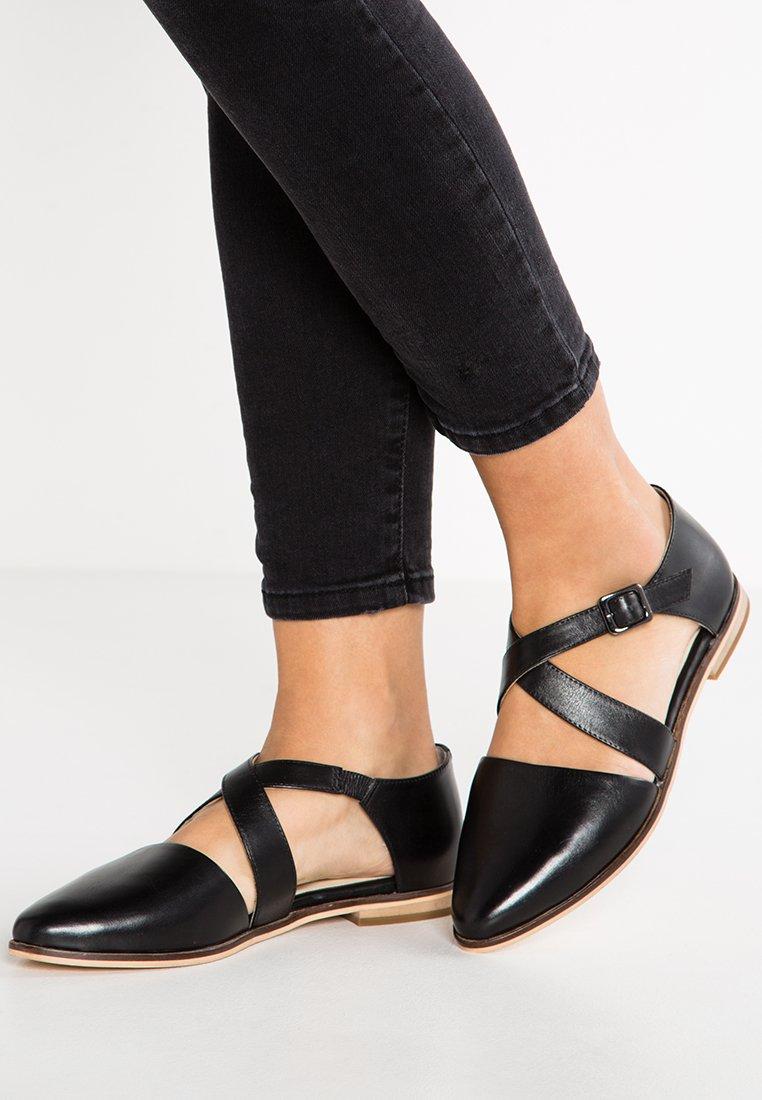 Pier One - Ankle strap ballet pumps - black