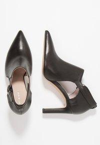 Pier One - Kotníková obuv na vysokém podpatku - black - 3