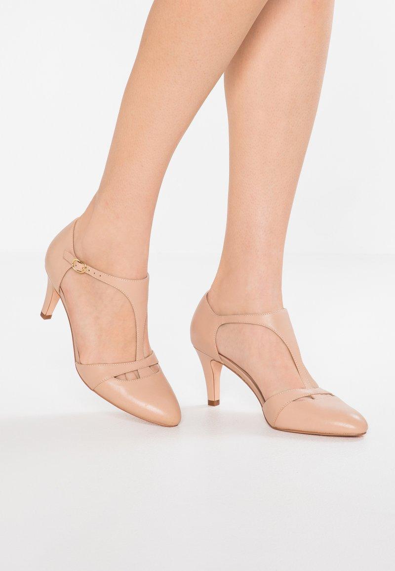 Pier One - Zapatos altos - nude
