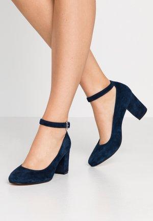 Czółenka - dark blue