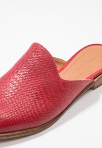 Pier One - Mules - red - 2