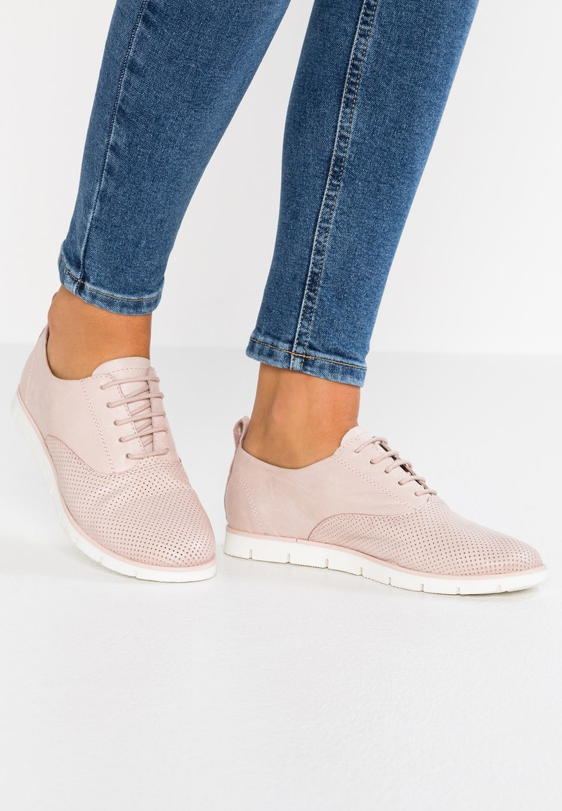 Pier One - Casual lace-ups - rose