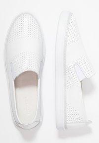 Pier One - Nazouvací boty - white - 3
