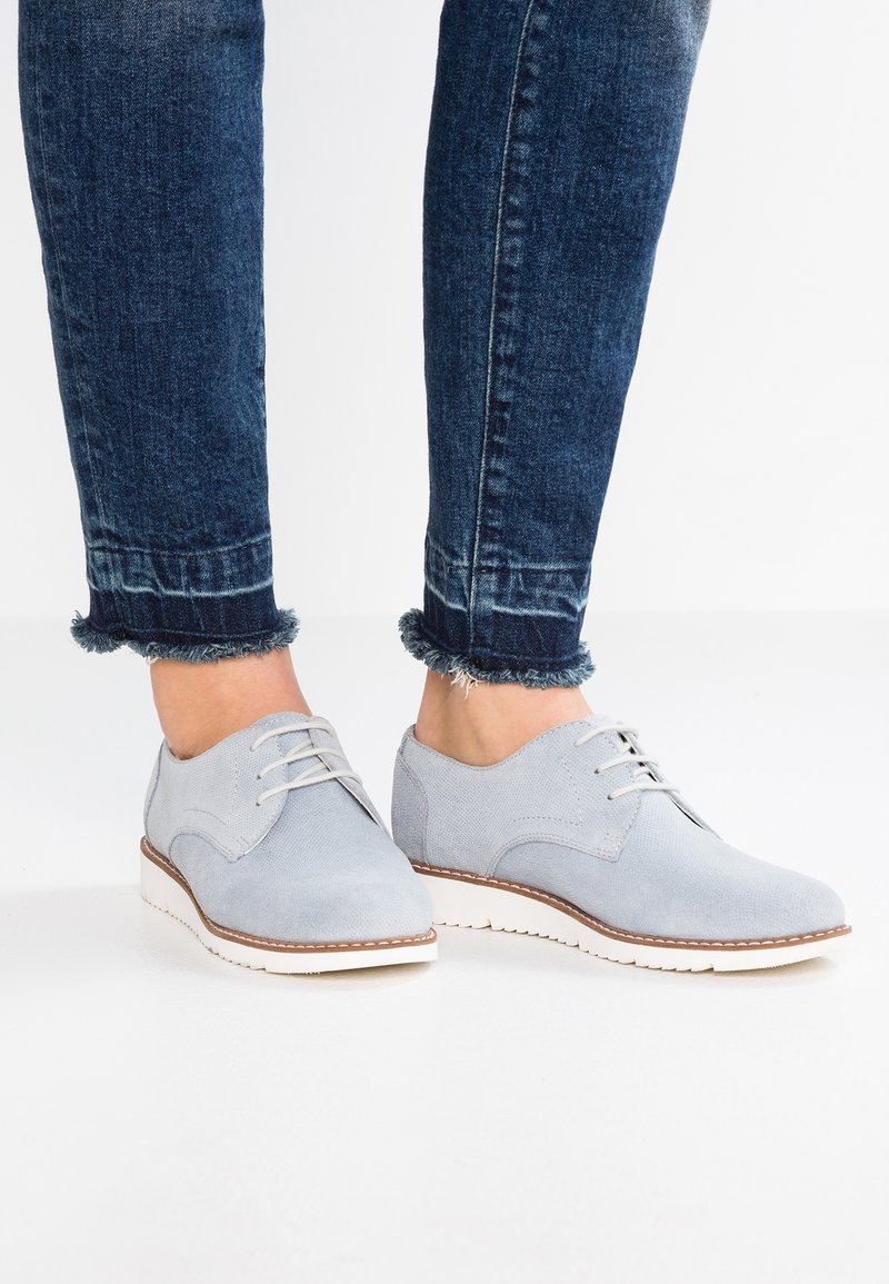 Pier One - Zapatos con cordones - light blue