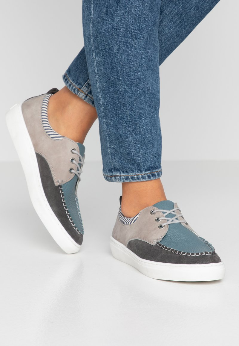 Pier One - Casual lace-ups - blue