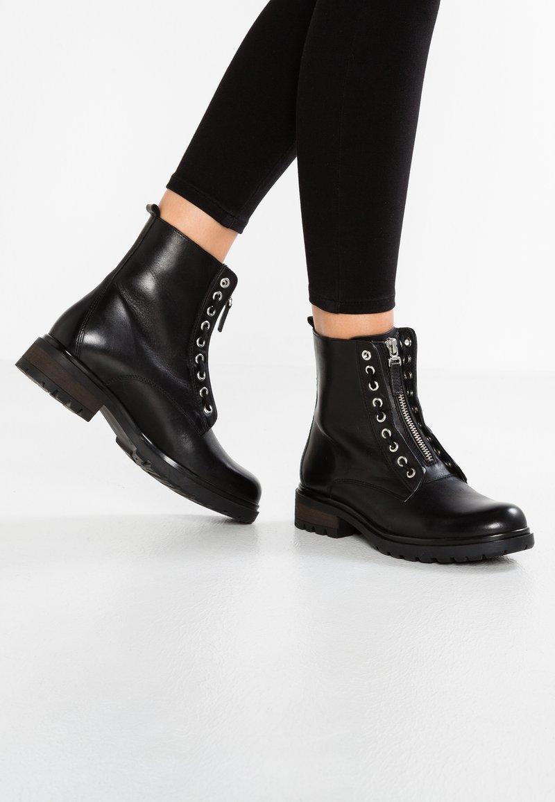 Pier One - Cowboystøvletter - black