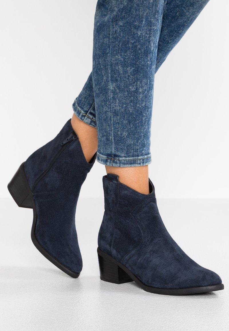 Pier One - Cowboy/biker ankle boot - dark blue
