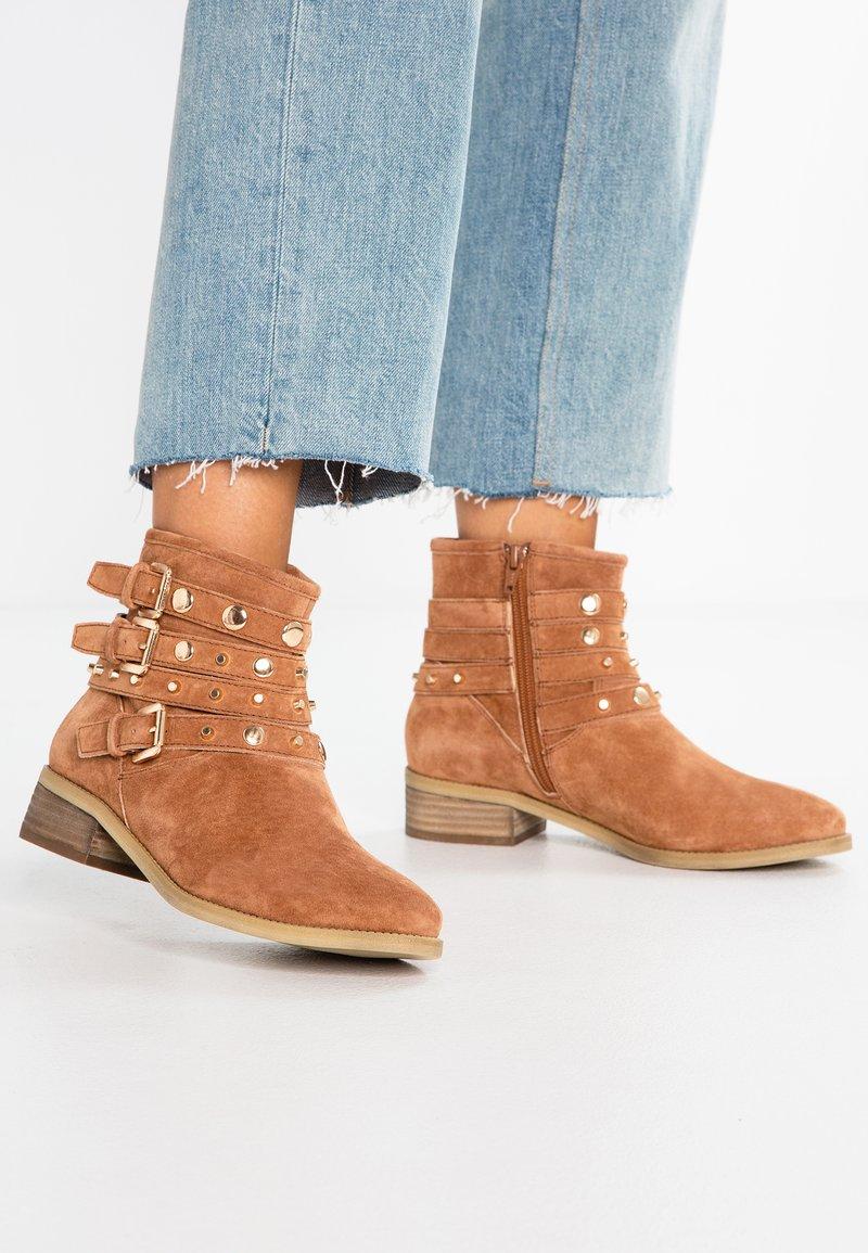 Pier One - Cowboy/biker ankle boot - cognac