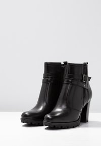 Pier One - Boots à talons - black - 4