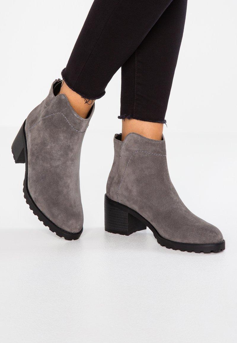 Pier One - Stiefelette - dark grey