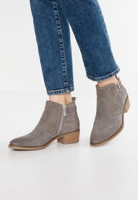Pier One - Ankle boot - grey - 0