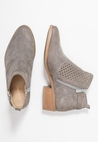 Pier One - Ankle boot - grey - 3