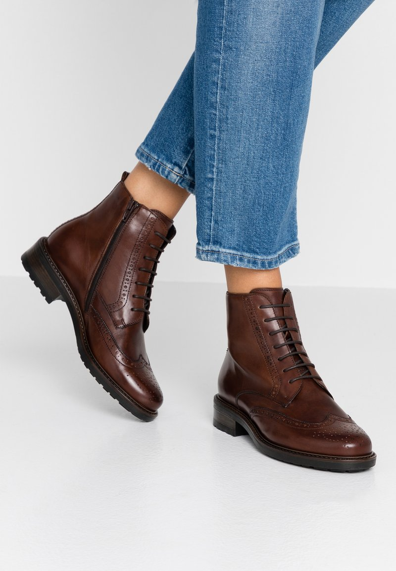 Pier One - Schnürstiefelette - brown