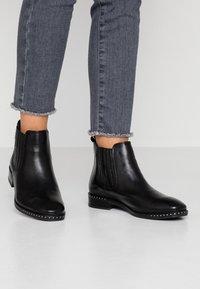 Pier One - Korte laarzen - black - 0