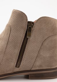 Pier One - Ankle Boot - beige