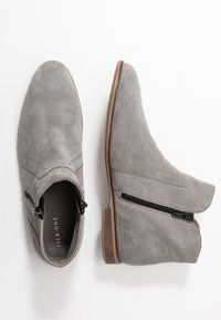 Pier One - Ankle Boot - light grey - 3