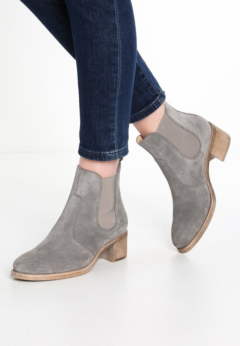 Pier One - Stiefelette - grey