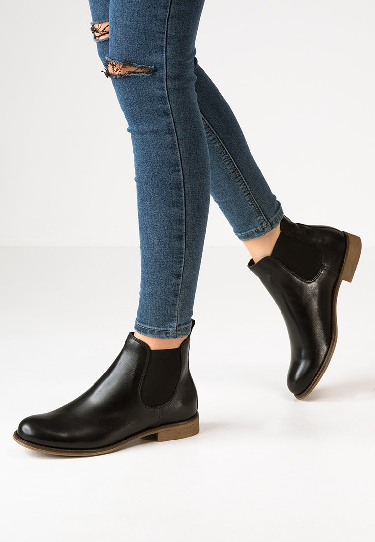 Pier One - Ankle boot - black
