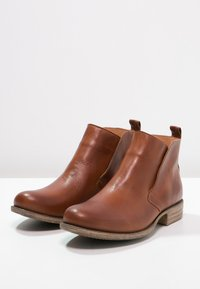 Pier One - Ankle boots - brandy - 2
