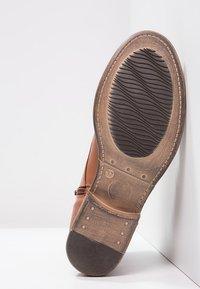 Pier One - Šněrovací kotníkové boty - brandy - 5