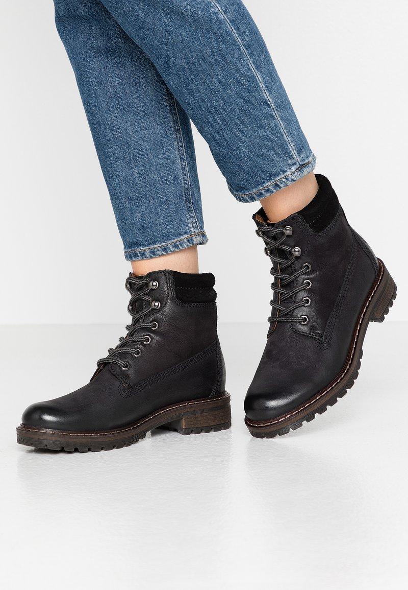 Pier One - Zimní obuv - black
