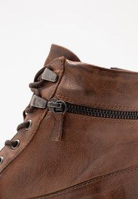 Pier One - Botines bajos - brown - 2