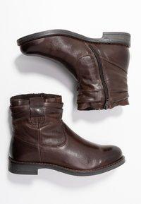 Pier One - Korte laarzen - dark brown - 3
