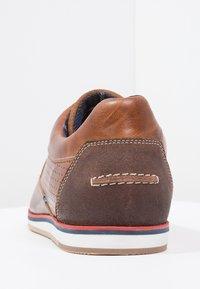 Pier One - Volnočasové šněrovací boty - cognac - 3
