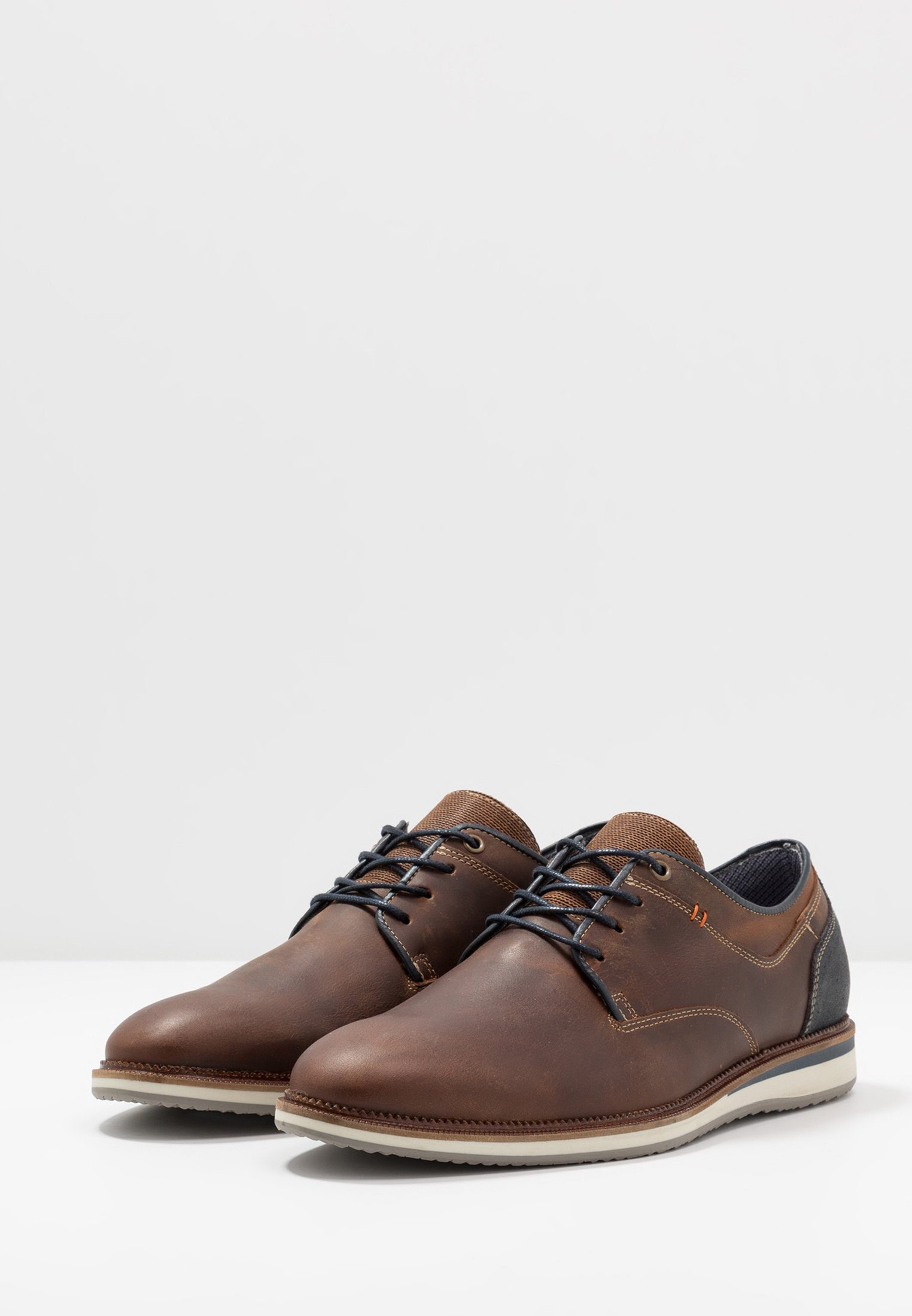 brown lacets Chaussures Pier One à kOP0X8nw